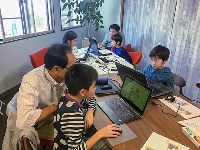 [終了] 2018.10.20 (土) 15:00~16:00 子ども向け プログラミング体験